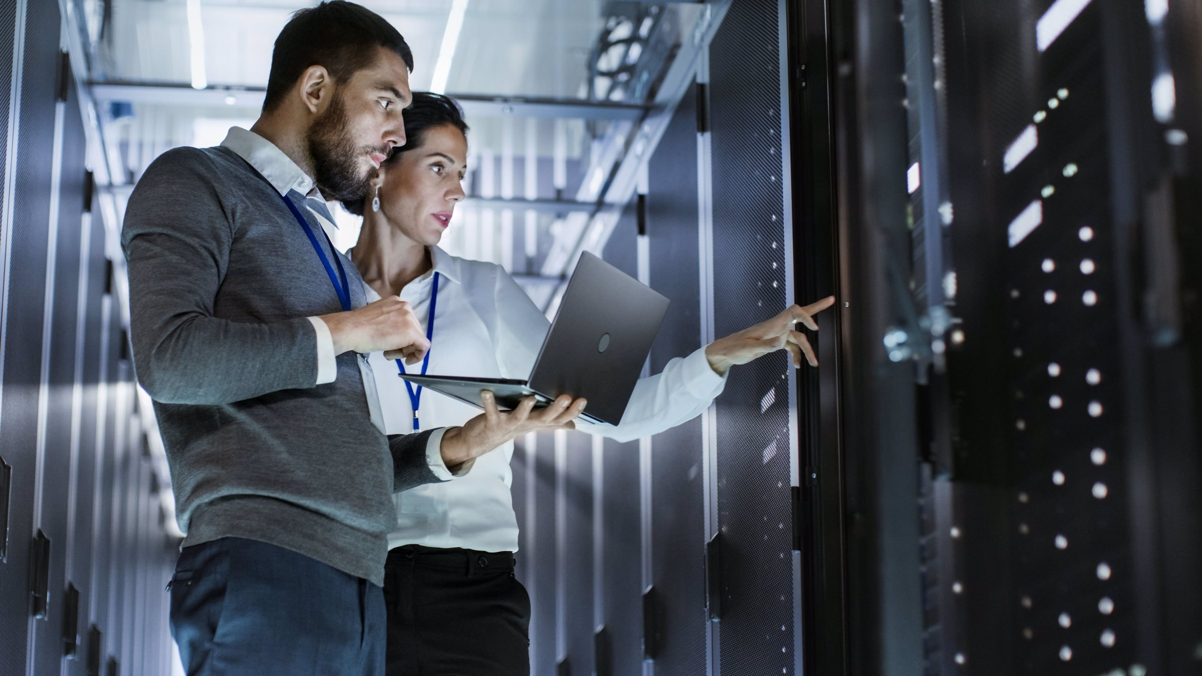 5 Reasons  To Be IT Specialists
